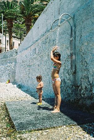 Galanopoulos Hotel: А в душе на пляже -минеральная