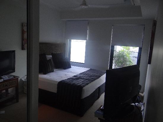 Elysium Apartments: Studio