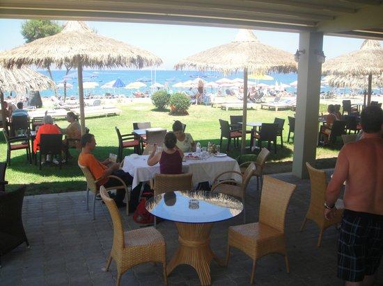 Platanias Mare Hotel : The Beach Bar/Restaurant!! : )