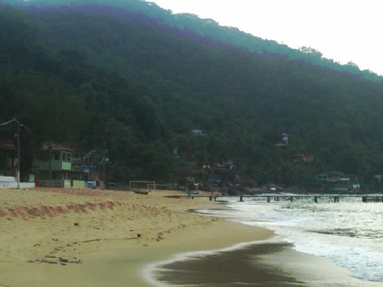Araçatibinha Beach : Playa Grande de Aracatiba