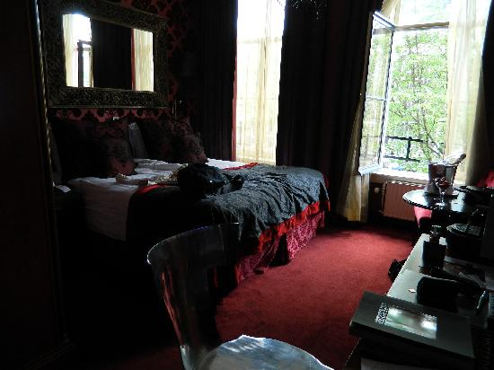 The Toren: Our room!