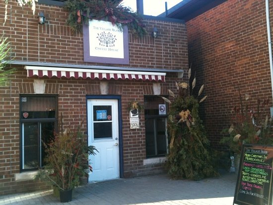 Merrickville, Canada: Decorated for the holidays!