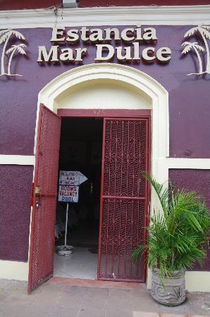 Estancia Mar Dulce: Entrance