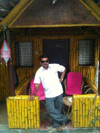 Bamboo Village: cool daddy!!! abhi