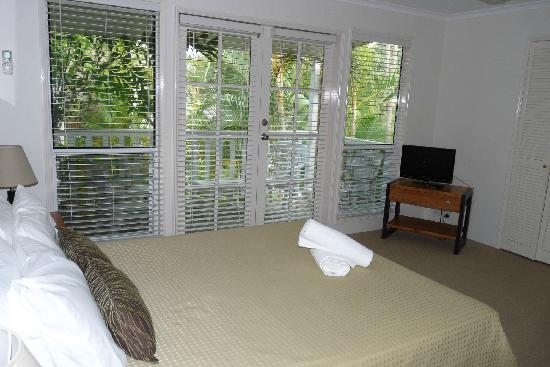 Sandy Beach Resort Noosa: Bedroom with balcony