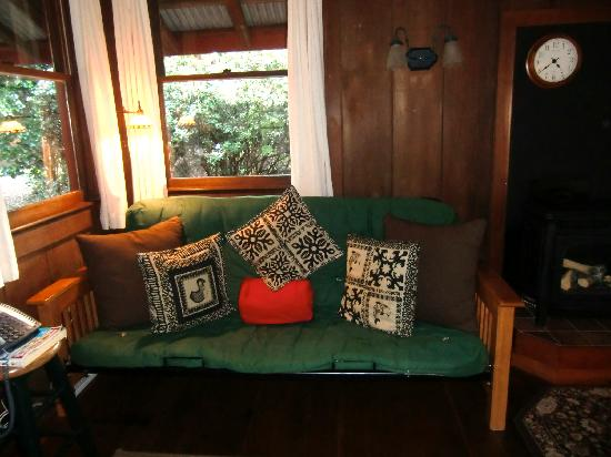 Crater Rim Cabin: Living room sofa