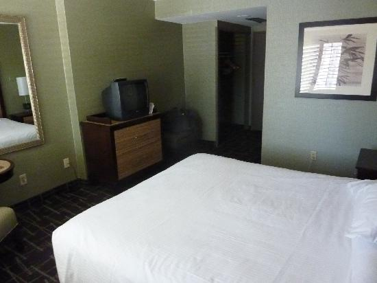 Fremont Hotel and Casino: room