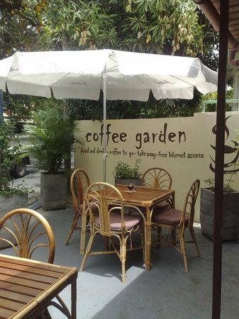 Coffee Garden: outside terrace at Coffee Shop