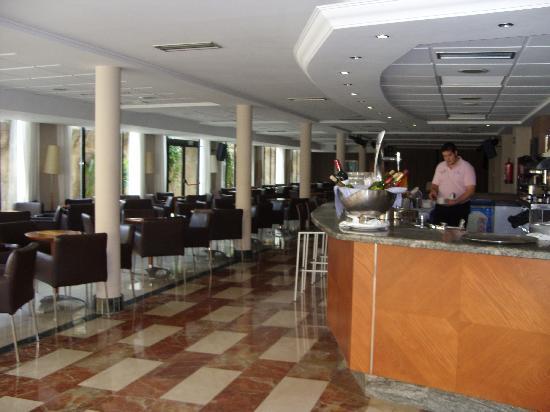 Hotel RH Corona del Mar : Bar area, Corona del mar