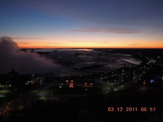 Niagara Falls Marriott Fallsview Hotel & Spa: Sunrise