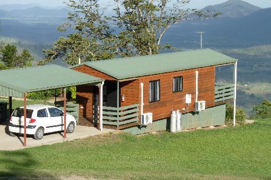Eungella Mountain Edge Escape: Cabin