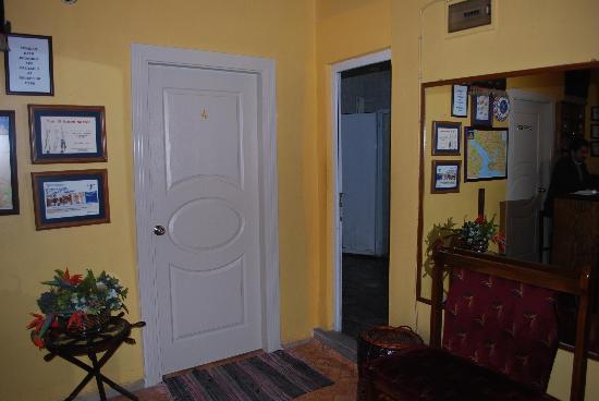 Istanbul Hostel: Reception
