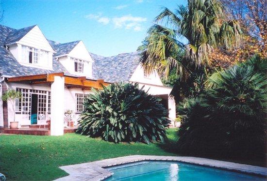 La Bougain Villa