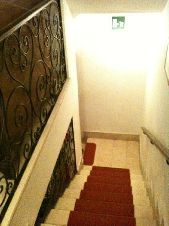 Hotel Locanda Salieri: Staircase.