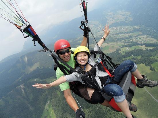 Swiss Paragliding : feel free as a bird