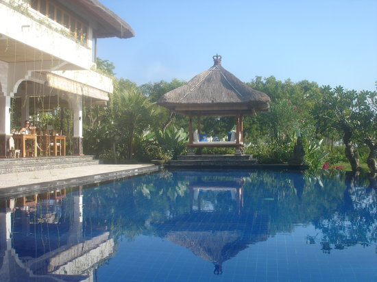 Santi Sari Boutique Hotel: the pool