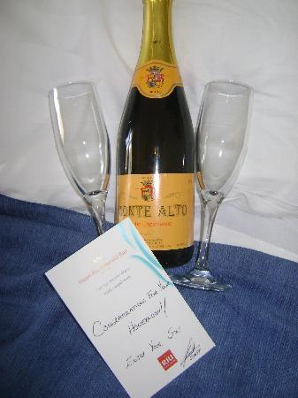 Hotel Riu Emerald Bay: Our wedding gift from the hotel