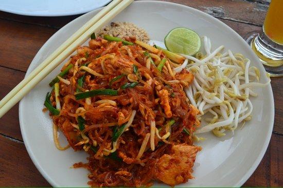 Baan Chom View: best phad thai