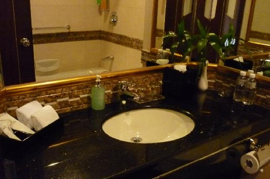 Golden Dragon Hotel: best to have your own shampoo & conditioner