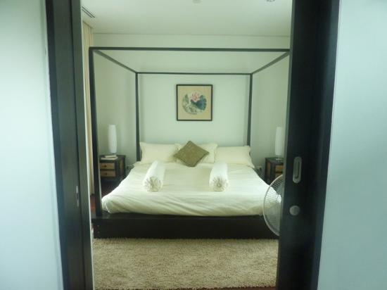 Kata Gardens Apartments: bedroom 9c