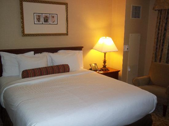 Monte Carlo Resort & Casino: A very comfortable bed!