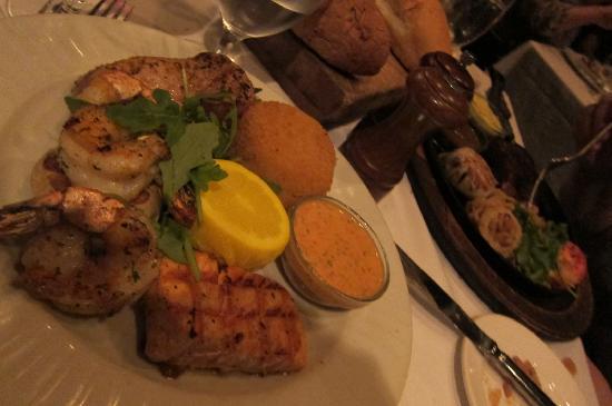 Bahamian Club: Seafood sampler