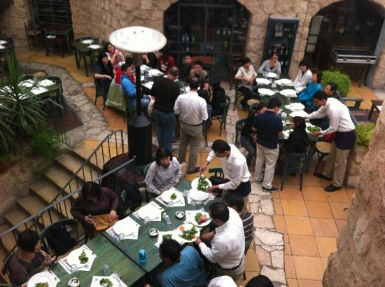 Haret Jdoudna: bird's eye view of courtyard