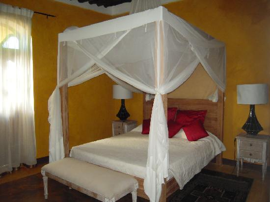 Kholle House: bedroom