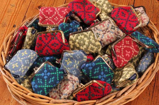 Trefriw Woollen Mills: Welsh tapestry purses