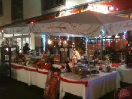 Courtyard Kitchen : Christmas Market