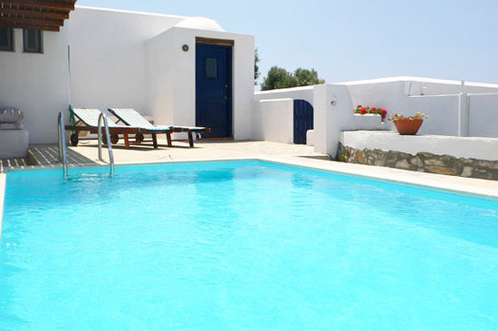 Kamari Village: 2bdrm villa-pool & entrance