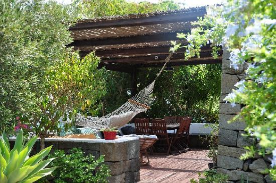 Residence La casa dei fiori B&B (Pantelleria, Sicilia): Prezzi 2017 e recensioni