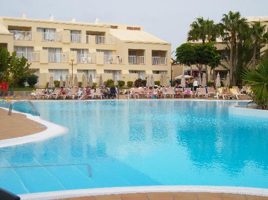Annex pool picture of clubhotel riu oliva beach resort for Riu oliva beach fuerteventura