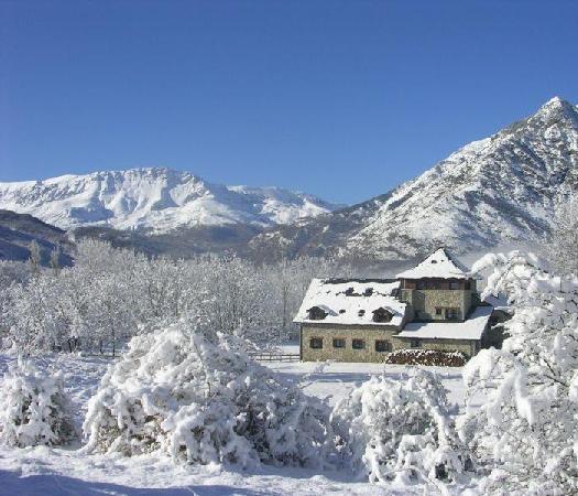 Hotel Selba d'Ansils: Exterior en Invierno