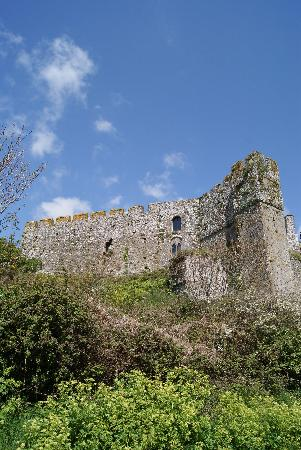 Manorbier, UK: Burg von Aussen