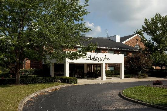 Asbury Inn & Suites: Main entrance