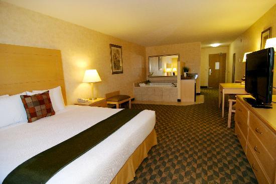 BEST WESTERN PLUS North Las Vegas Inn & Suites : King Jacuzzi Suite