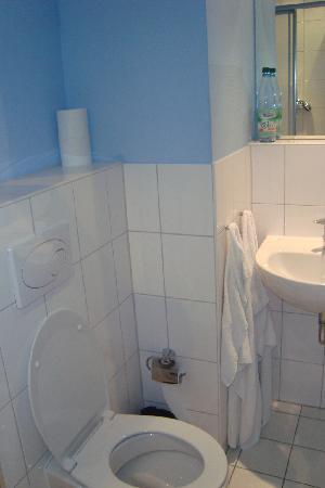 Hostel Absteige: il bagno