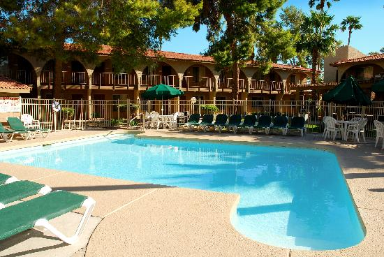 Hospitality Suite Resort: Building C Pool
