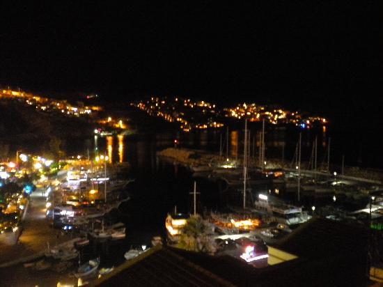 Hotel Pirat: Kalkan at night from our balcony