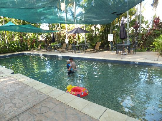 The Villas Palm Cove: Shared Pool