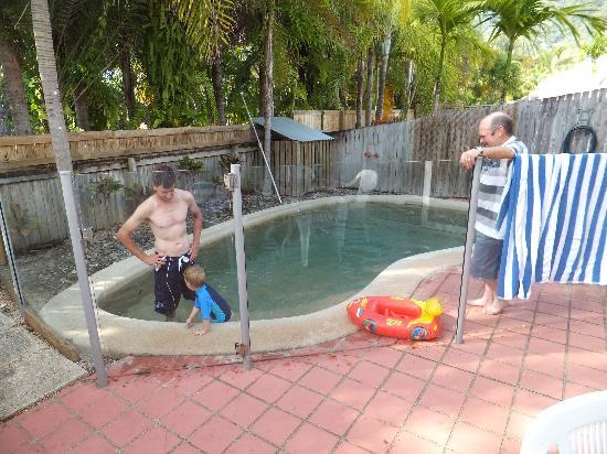 The Villas Palm Cove: Private pool