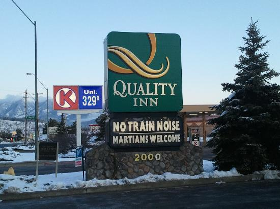 Quality Inn I-40 & I-17 : We aren't Martian, but we were welcome anyway.
