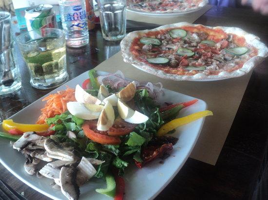 PEPeNERO Cucina Italiana: Great pizzas