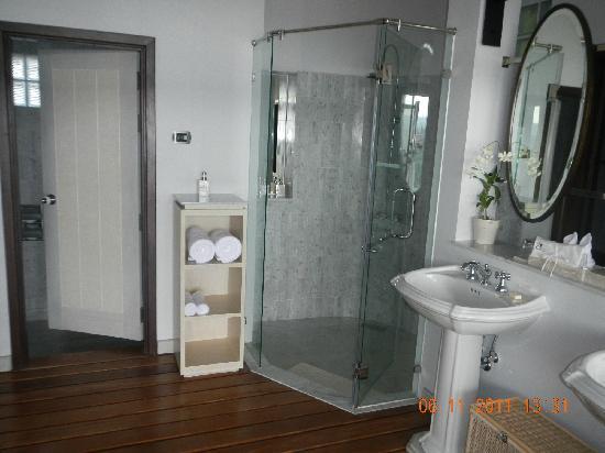 The Shore at Katathani: Lovely bathroom