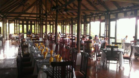 Villas Sol Hotel & Beach Resort: The one and only restaurant you could eat at! After 10pm no food!