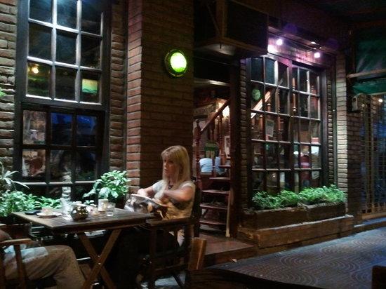 Stylo Cafe: Frente de Stylo I