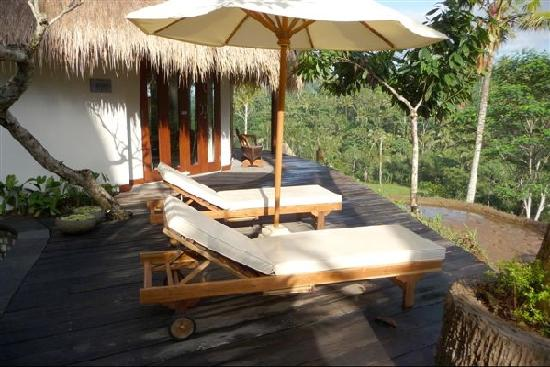 Dara Ayu Villas & Spa: Dewi Laksmi pool deck