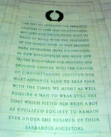 jefferson memorial and the pantheon essay The lincoln memorial, is based off the styles and methods of the architecture of the parthenon because of this, there are many similarities, but also.