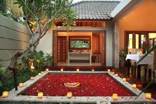 Grand Akhyati Villas and Spa: Open to air in villa pvt pool